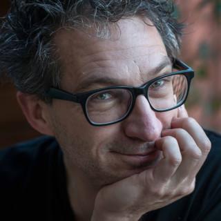 Differend, afscheid, uitvaart, Frénk van der Linden, column, laat het licht uit
