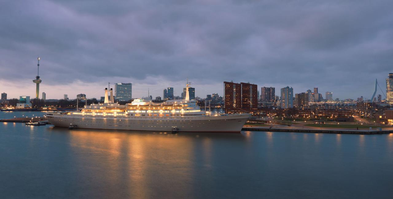 Differend, afscheid, uitvaart, ceremonie, condoleance, familiediner, ss Rotterdam